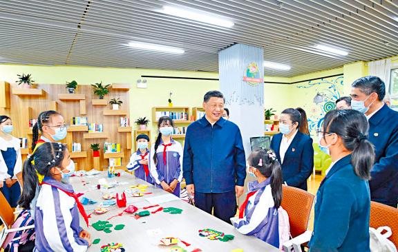 6月7日至9日,大陸國家主席習近平在青海考察校外培訓機構。照片/新華網