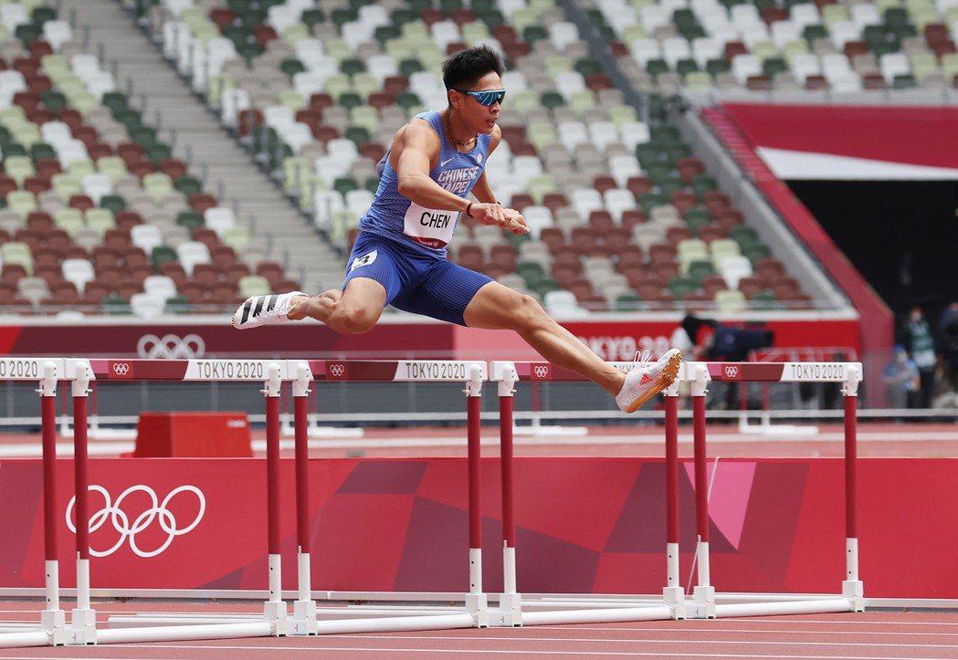 陳傑在男子400公尺跨欄預賽出局,無緣晉級。特派記者余承翰/攝影