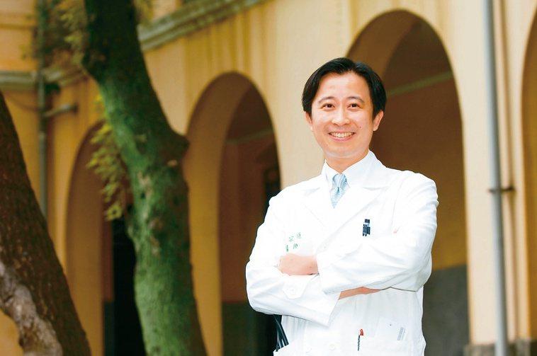台大醫院心臟內科教授王宗道:防疫期間也要回診掌握病況。圖╱王宗道提供