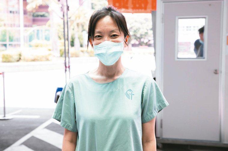 新店耕莘醫院牙科部主任胡尹藍 記者季相儒/攝影
