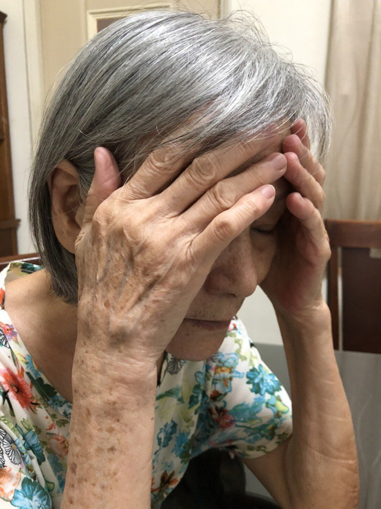 巴金森病常被當作老年退化及中風,導致病患於錯誤科別流連多年。圖╱苑曉倩提供