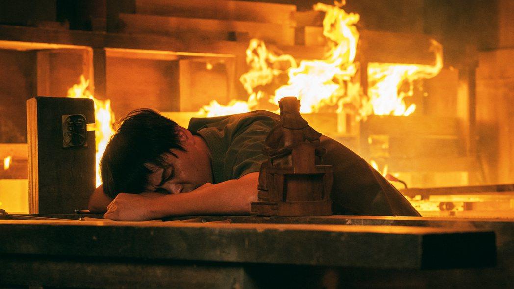 黃鐙輝拍「神之鄉」火燒戲嚇得半死。圖/東森、映畫提供