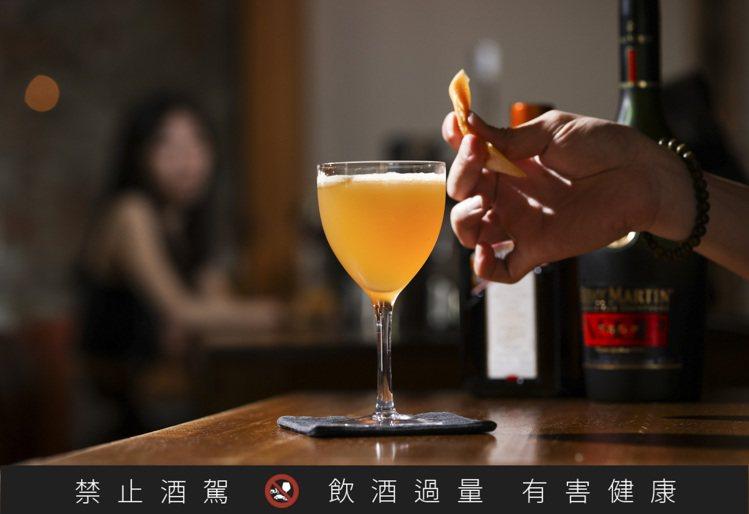 疫情以來,酒吧經營者也努力透過添增餐飲品項、與外送平台合作、異業結盟、開發新產品...