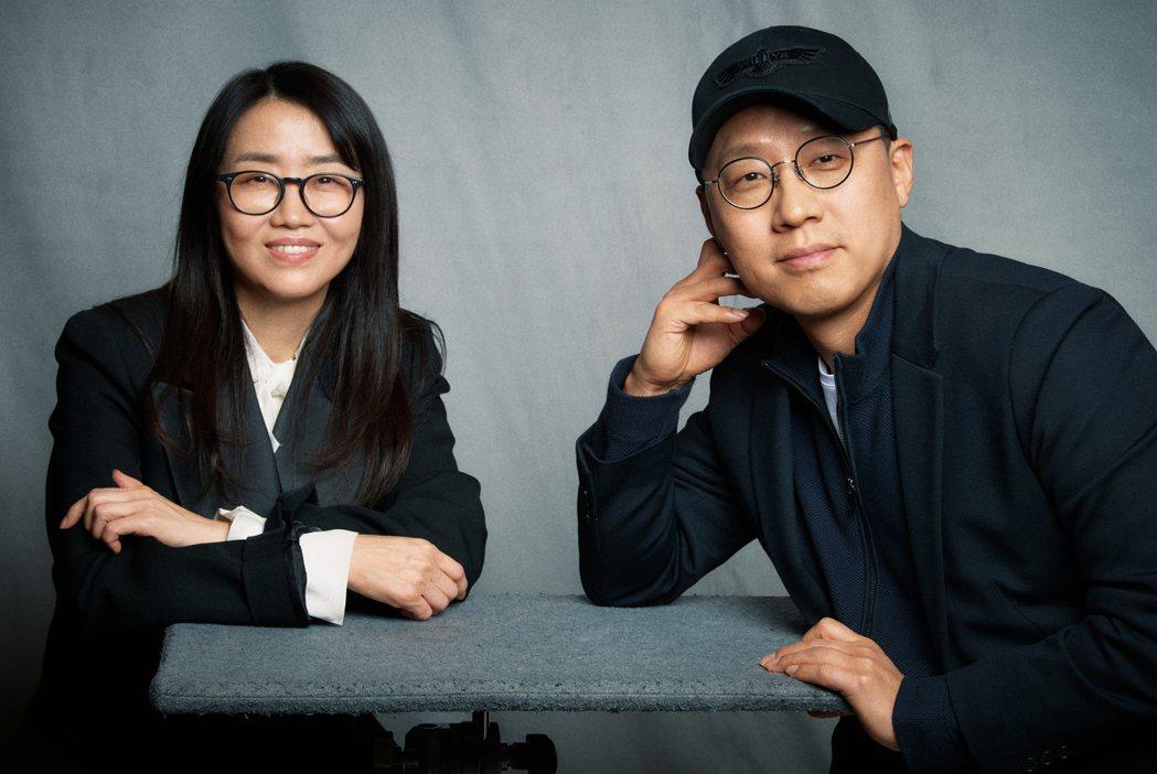 金銀姬和金成勳透過訪問為觀眾解惑。圖/Netflix提供