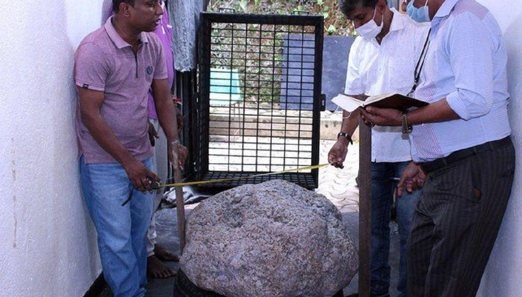 斯里蘭卡當局日前宣布,世界最大的星光藍寶石簇已在一處後院被人發現,而且此事純屬「...