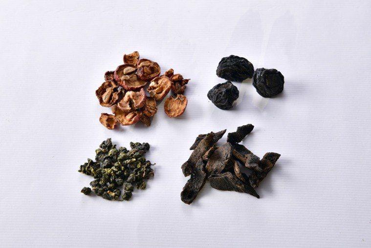 中藥材:烏梅、 山楂、陳皮。圖/幸福文化 提供