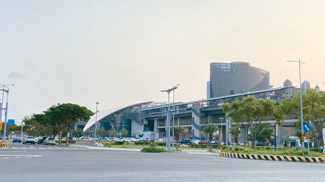 新竹縣高鐵新竹站特定區,十餘年來吸引全台知名建商競相推案,加上房產增值力強,已成...