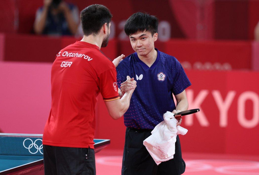 東京奧運桌球男單銅牌戰,台灣桌球小將林昀儒3:4敗給德國好手奧恰洛夫。特派記者余