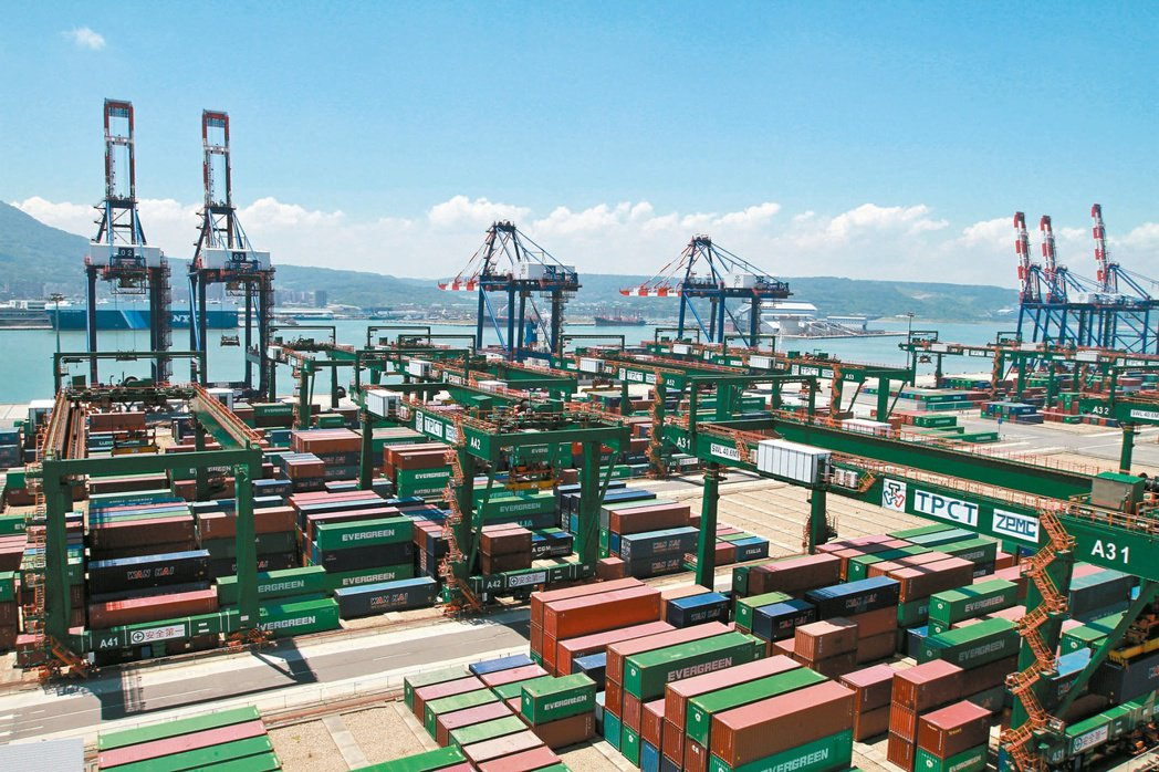全球需求大增,出口和投資超預期,主計總處概估第2季經濟成長率7.47%。(本報系...