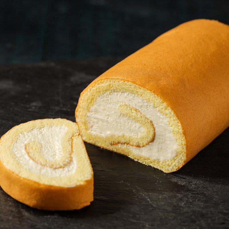 在網路上被美食社群高度討論的甜品:舒芙蕾生乳捲。 台北晶華/提供