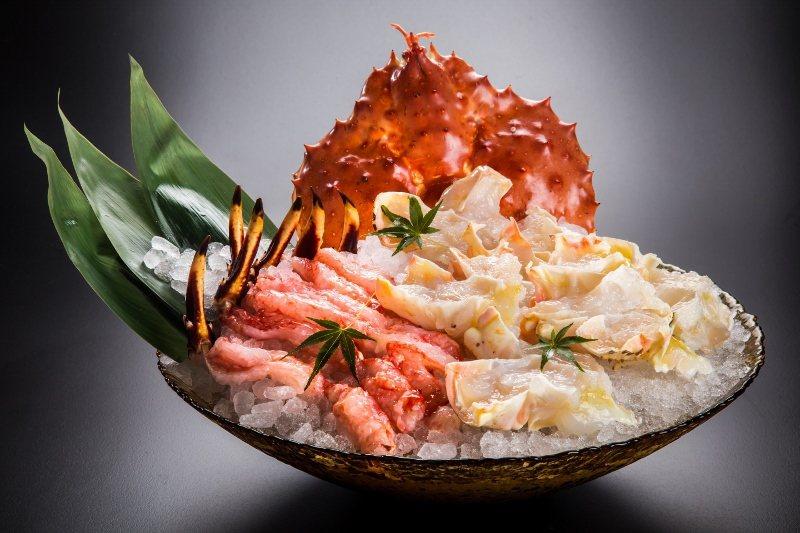 三燔本家的鱈場蟹和牛盛宴。 台北晶華/提供