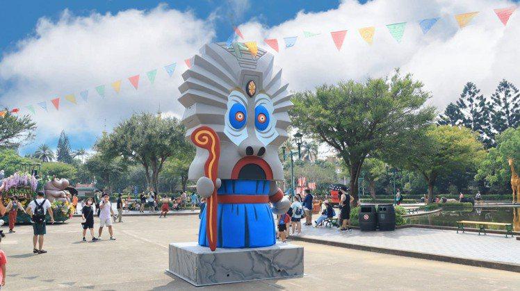 5米巨型大怒神扭蛋機亮相。圖/六福村提供