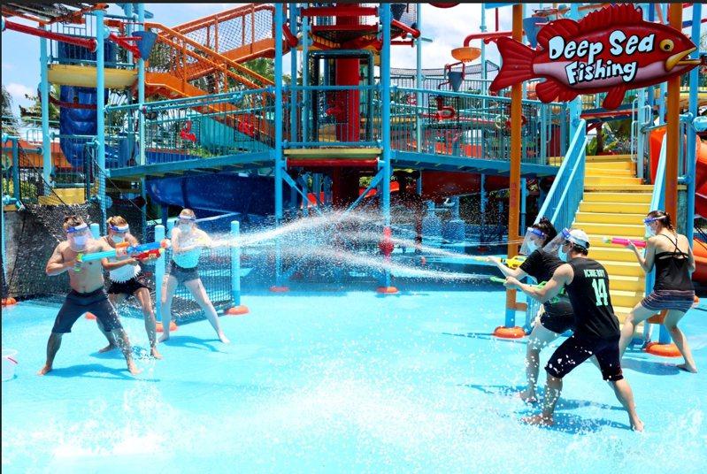 劍湖山推出「盛夏清涼水戰」,用清涼水戰消暑氣。圖/劍湖山提供