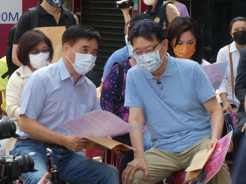 台北市前市長郝龍斌(左)說,蔣萬安若有心要爭取擔任台北市長,不能等著敵人自己跌倒。記者周志豪/攝影