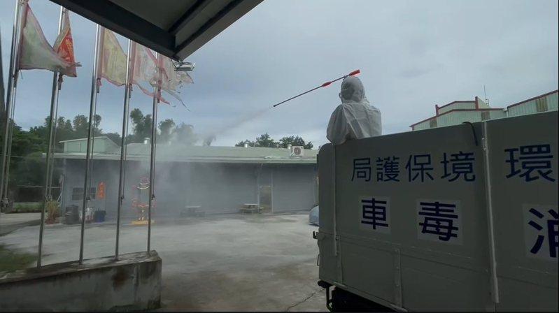 嘉義市環保局也到佛天宮完成消毒。記者卜敏正/翻攝
