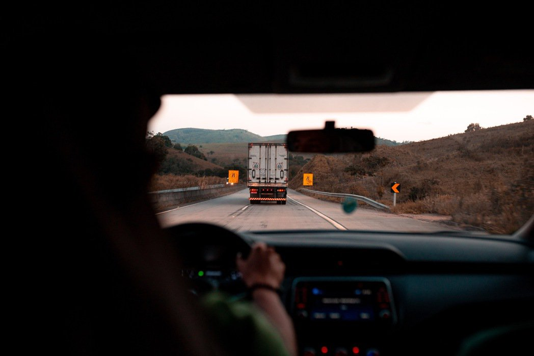 開車過程視力極為重要。 摘自pexels