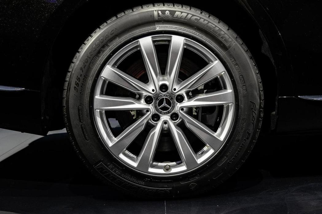 Michelin Pax失壓續跑胎擁有爆胎後仍可行駛超過30公里的實力。 圖/M...