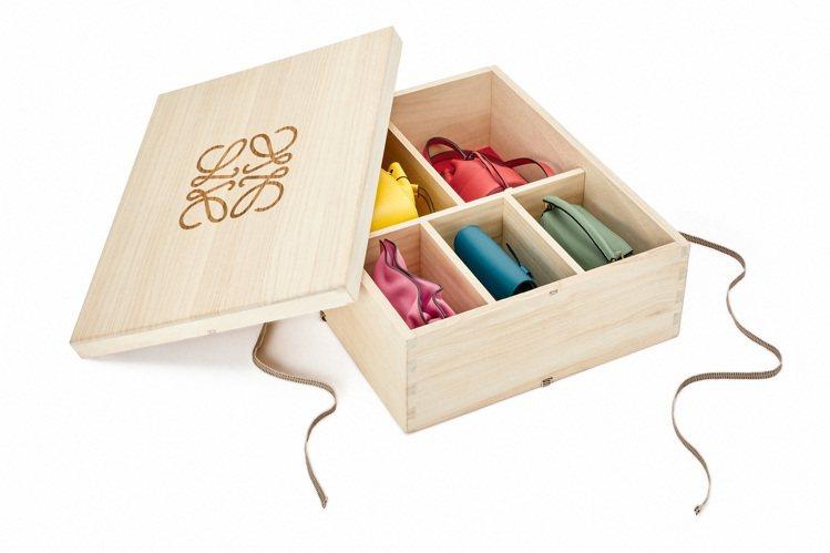 木盒設計以傳統桐箱為藍本,由日本工匠以輕巧桐木製作,這其中也傳遞出「日本人一般以...