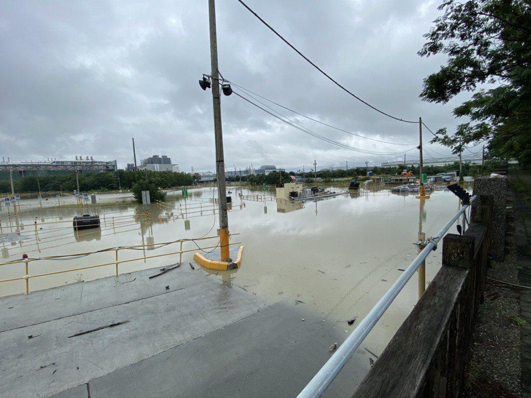 台積電南科18廠工地傳淹水,引起外界關切。圖/讀者提供