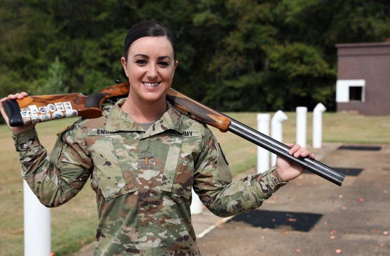 獲得東京奧運女子飛靶金牌的英格利希,是美國陸軍的中尉。圖/美國陸軍檔案照