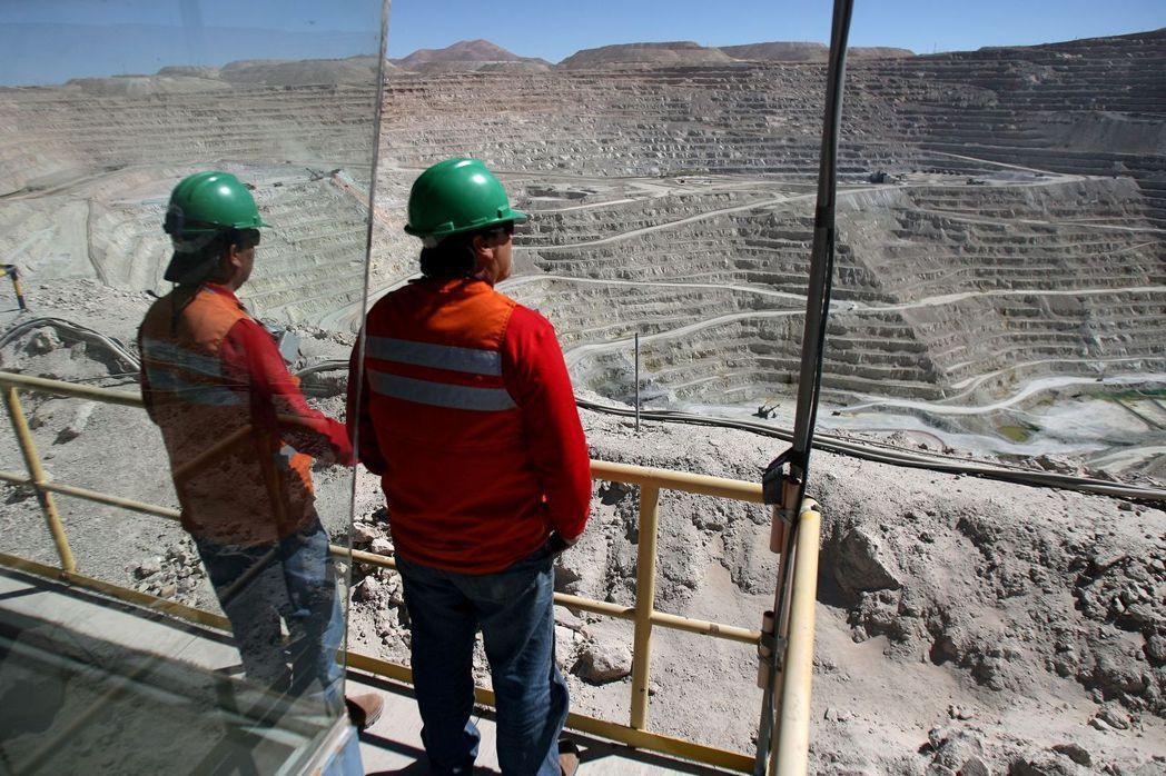 必和必拓智利Escondida礦區將罷工。(路透)