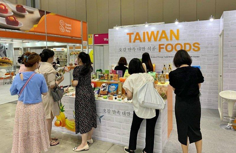 因疫情展館人潮管制之下台灣館仍具有參觀高人氣。 貿協/提供