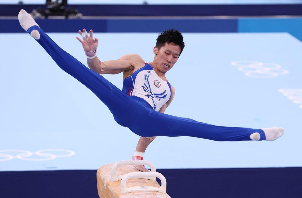 「鞍馬王子」李智凱昨天在東京奧運鞍馬決賽,拿下台灣體操史上第一面獎牌。特派記者余...