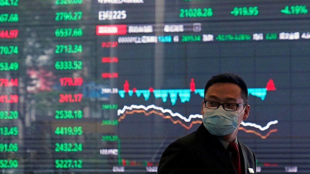 在美國上市的大陸股票,剛剛經歷了慘澹的一個月,因為北京當局對科技股大舉彈壓,使陸...