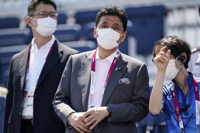 岸信夫表示,日本所要表達的強烈訊息是,台海和平唯有在國際社會要求之下才得以確保。...