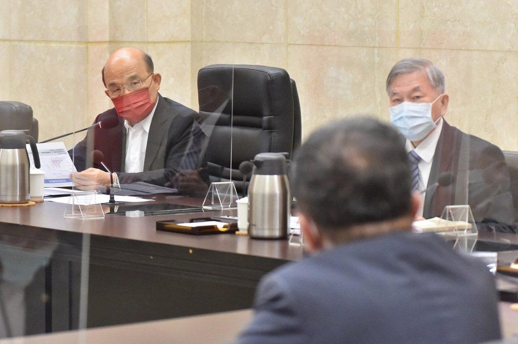 國內疫情持續趨緩,政院將研議是否得於本(8)月10日後進一步適度鬆綁相關管制措施...
