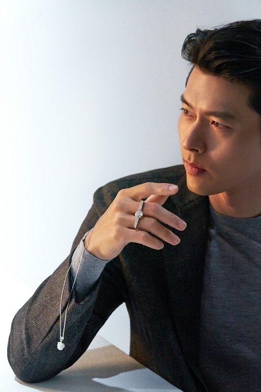 南韓歐巴玄彬與周大福攜手推出「玄彬 925」系列珠寶。圖/周大福提供