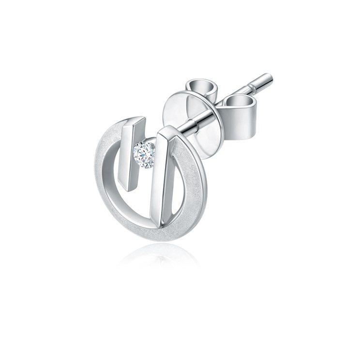 周大福「玄彬 925」系列18K白金美鑽耳環 (單隻),約8,100元起。圖/周...