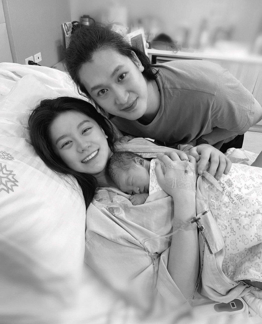 小蠻、邵翔開心迎接兒子誕生。圖/摘自IG