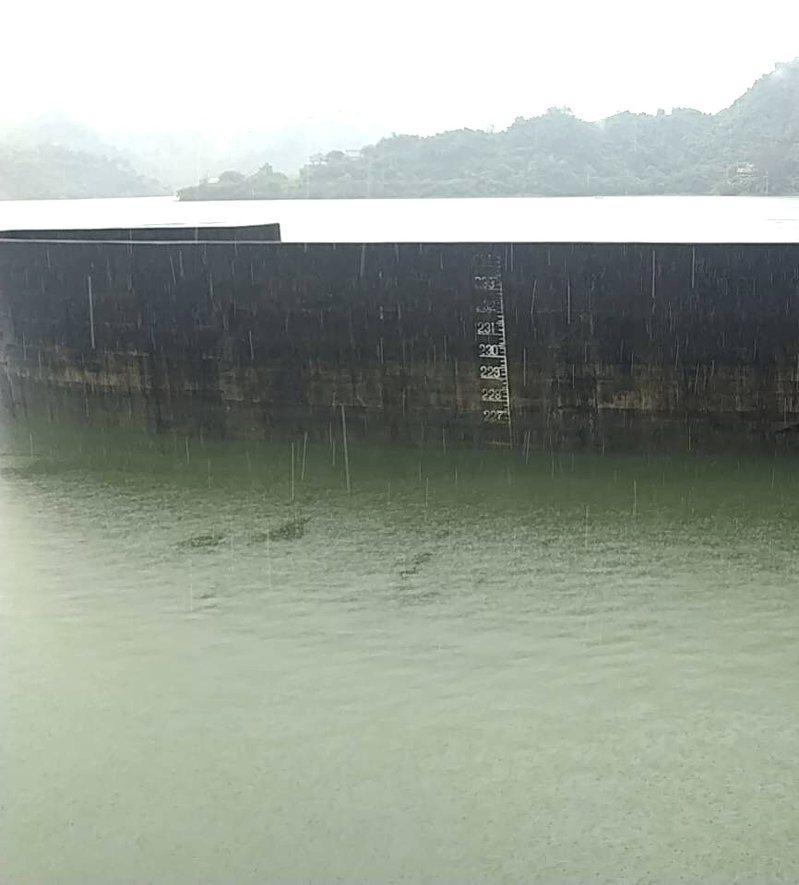 曾文水庫儲水逼近滿水位,預計下午五點預防性放水、明天洩洪。圖/南區水資源局提供