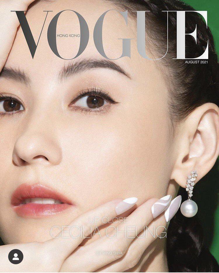 張柏芝配戴MIKIMOTO提供珠寶登上9月份時尚雜誌封面。圖/取自IG @vog...