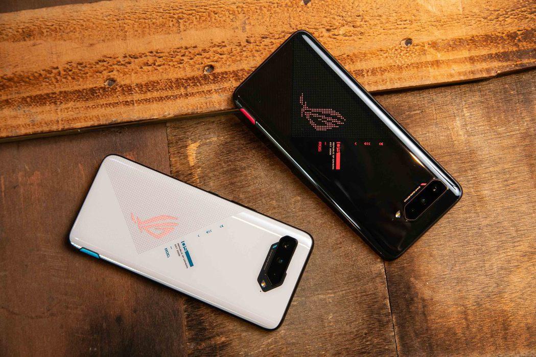 華碩全球副總裁林宗樑表示,ROG Phone 5系列屢創佳績,預估今年總銷量將較...