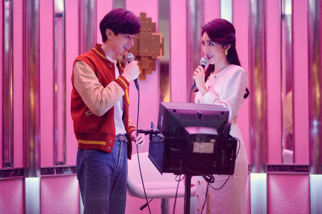 楊謹華(右)、張軒睿在「華燈初上」中有精彩對手戲。圖/Netflix、百聿數碼提...