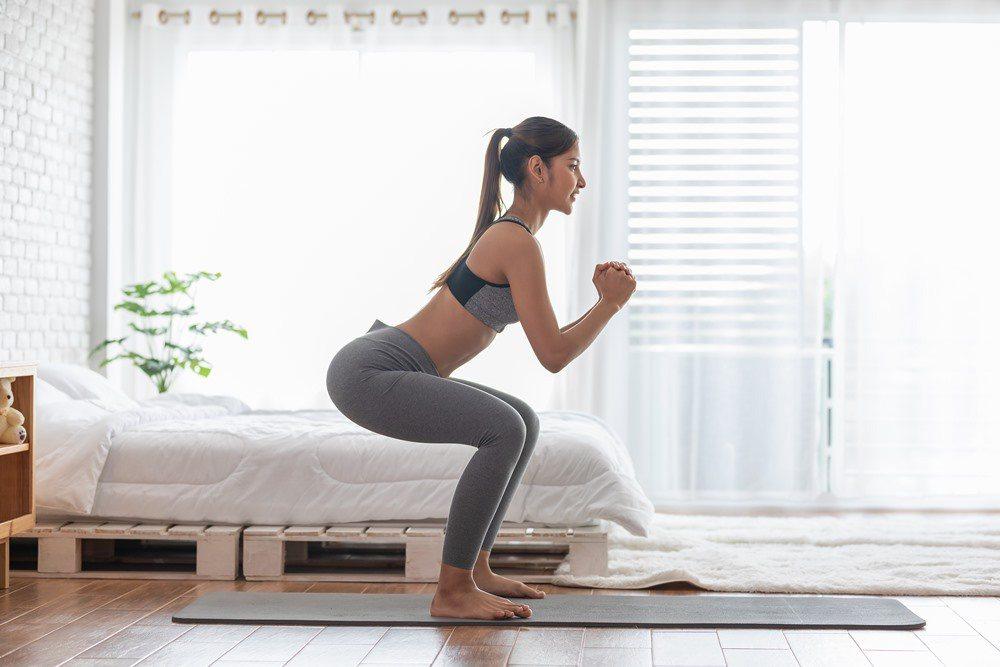 運動可以舒緩因姿勢不良而發生的痠痛情形。 圖/Trainge 提供
