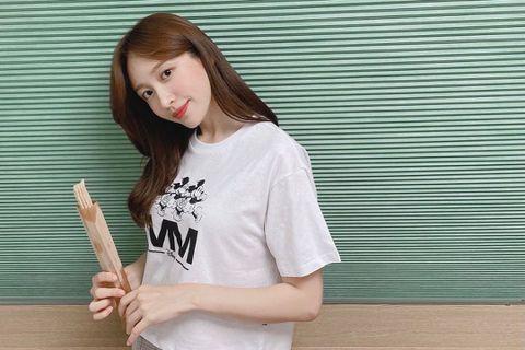 韓國女團EXID的哈妮(Hani)上個月20日傳出確診新冠肺炎(COVID-19),停工進行治療與隔離,昨(8/2)日,她在Instagramg上曬出外出跑步的自拍照,顯然已經康復「出關」。網友也開...