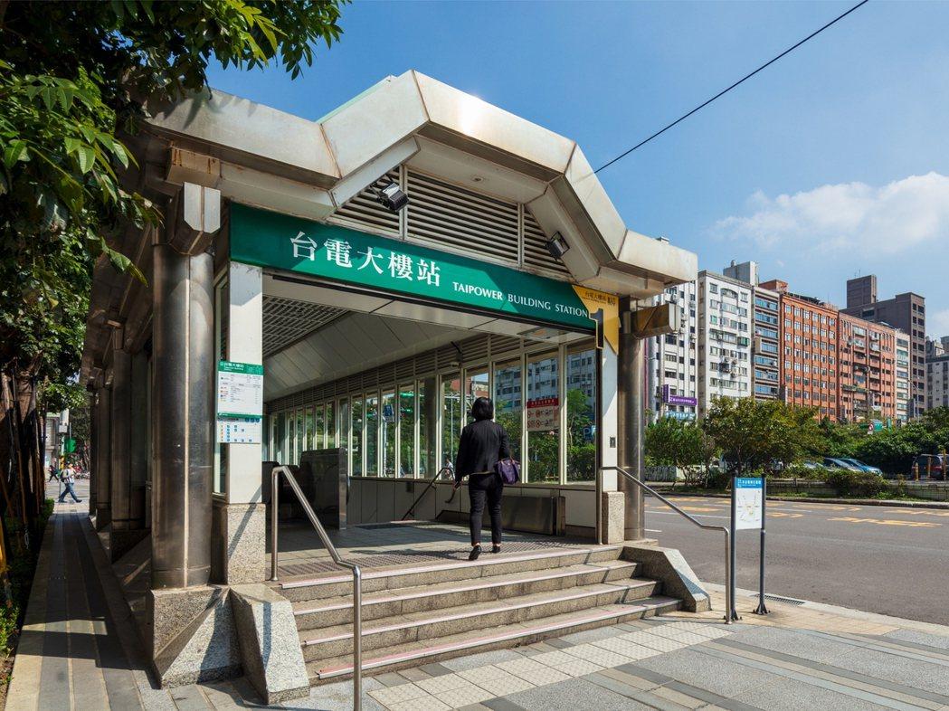 在台大師大生活圈內的「寶舖CARE」距台電大樓捷運站僅1分鐘,地段珍稀且生活圈內...