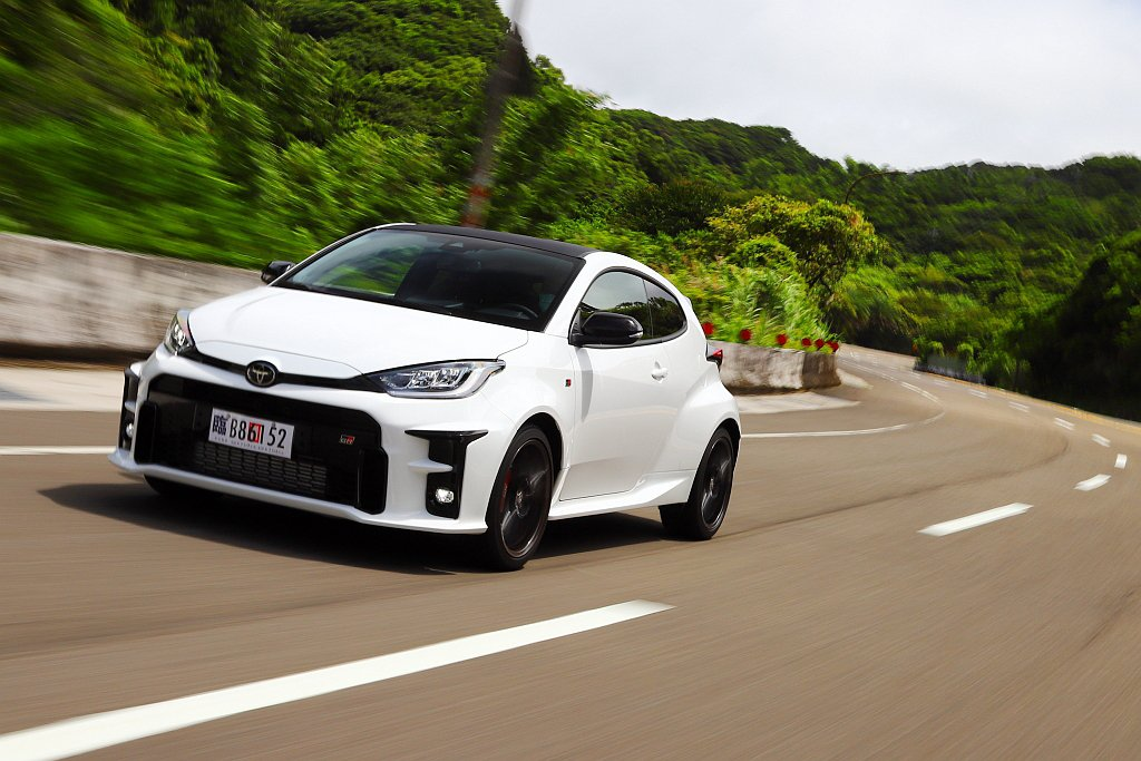 Toyota GR Yaris暴力鴨登台,引發手排性能車市場新熱潮。 記者張振群...