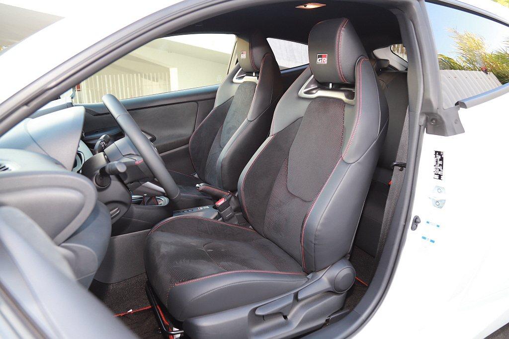 和泰汽車相當有誠意向日本原廠爭取較高規格的GR專屬運動座椅,並採用Ultrasu...