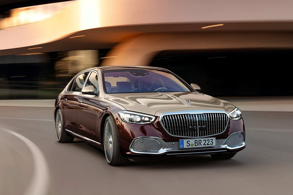 Mercedes-Maybach S 580 4MATIC搭載V型八缸引擎,最大...