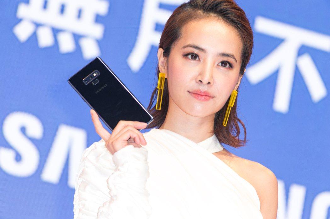 三星2018年發表Galaxy Note 9,曾找來當紅女星蔡依林擔任代言人。明...