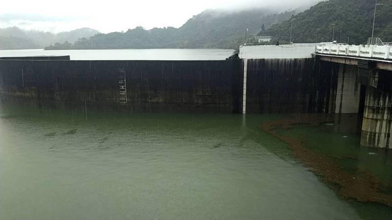 曾文水庫儲水接近慢庫,預計中午排洪。圖/南區水資源局提供