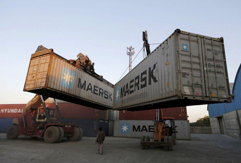 需求不坠!货柜轮一哥马士基 大幅上修全年获利预测