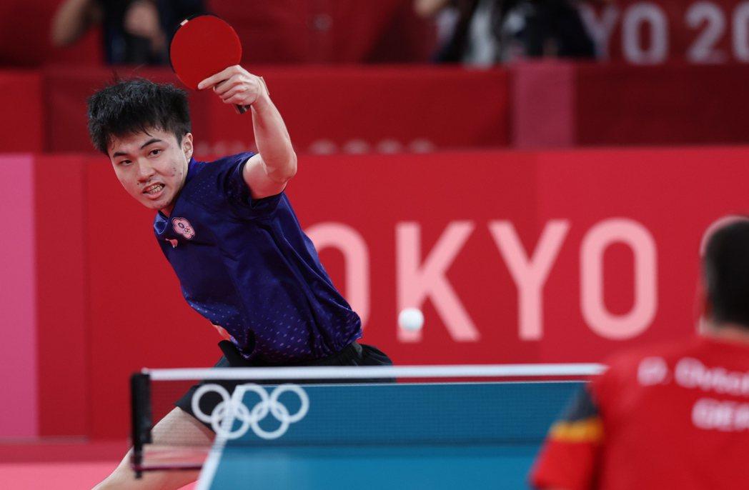 林昀儒第二點和奧恰洛夫大戰5局勝出。特派記者余承翰/東京攝影