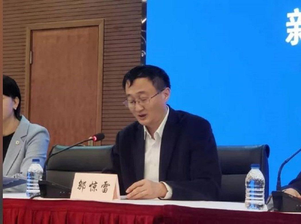 上海市衛健委主任鄔驚雷。文匯報