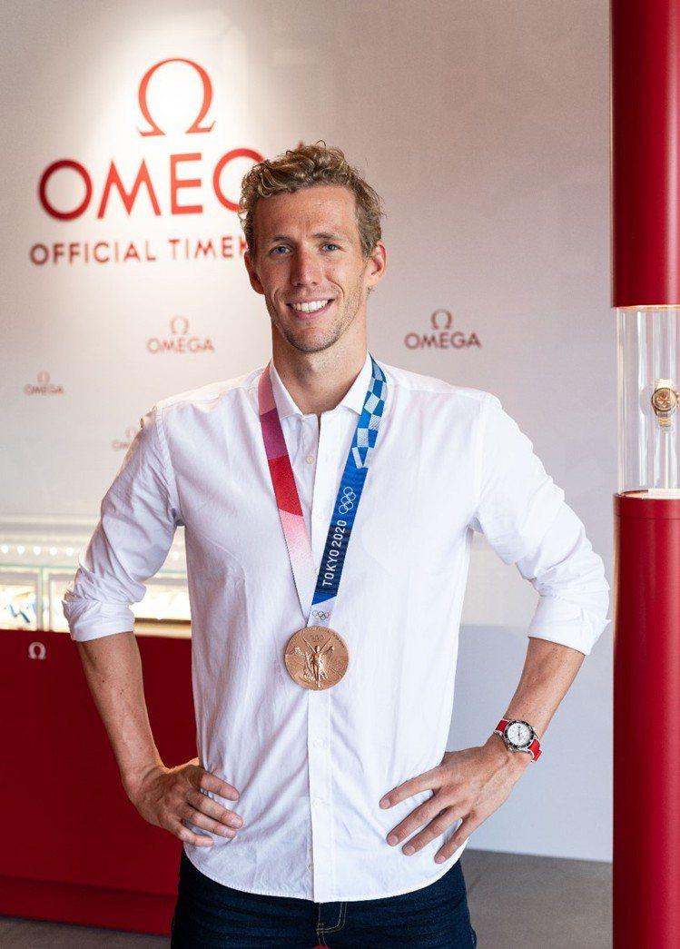日前甫拿下今年奧運200米銅牌的瑞士泳者Jérémy Desplanches,同...