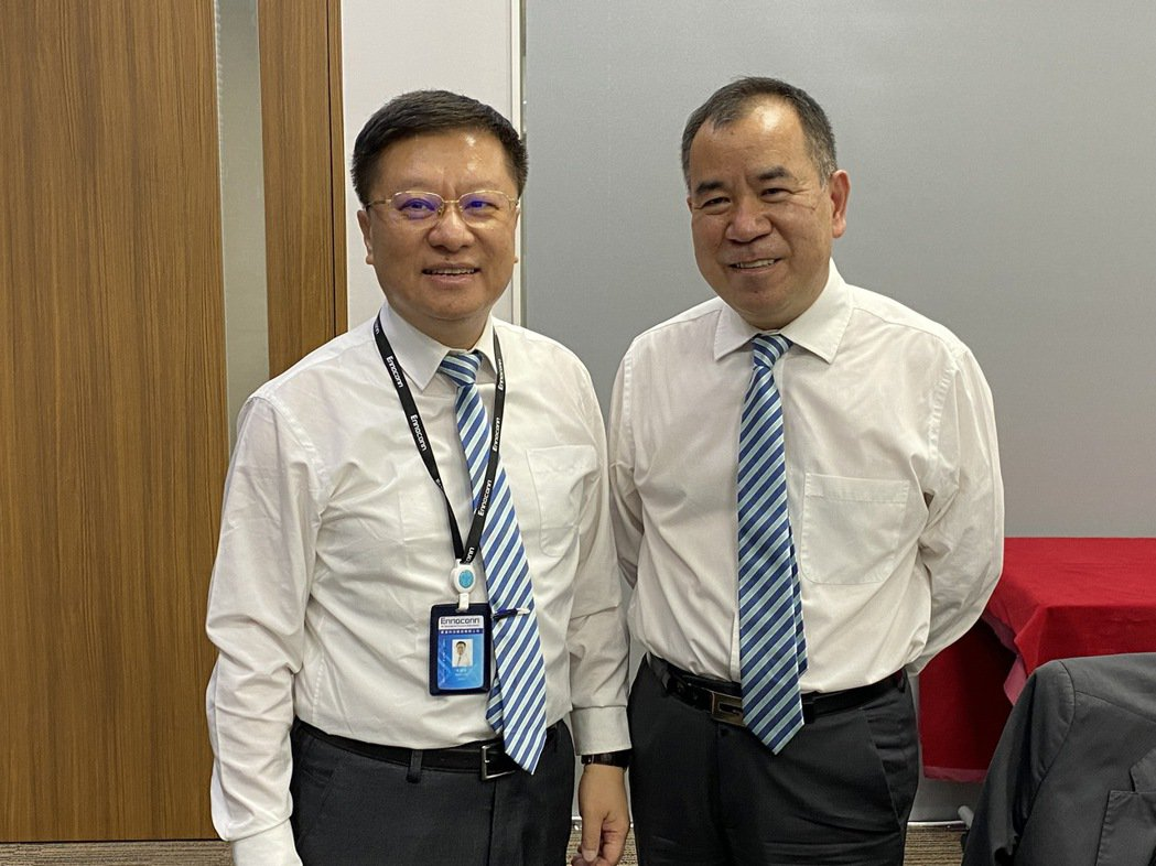 樺漢舉行股東會,董事長朱復銓(左)、總經理蔡能吉出席。記者吳凱中/攝影
